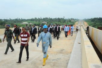 Fashola says Aregbesola's intervention on roads highly commendable; inspects roads in Osun