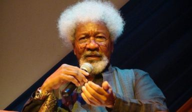 Soyinka urges EFCC to prosecute detractors on fight against corruption