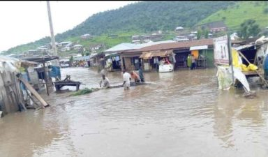Residents flee as flood submerges Lokoja suburbs