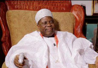 President Buhari greets Oba Tejuoso at 81