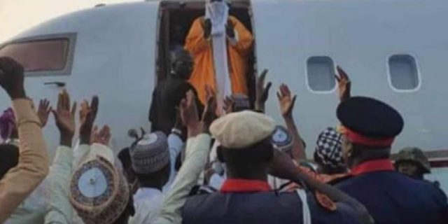 Emir-Sanusi-leaves-Kano-amidst-cheers-760x380-1.jpg